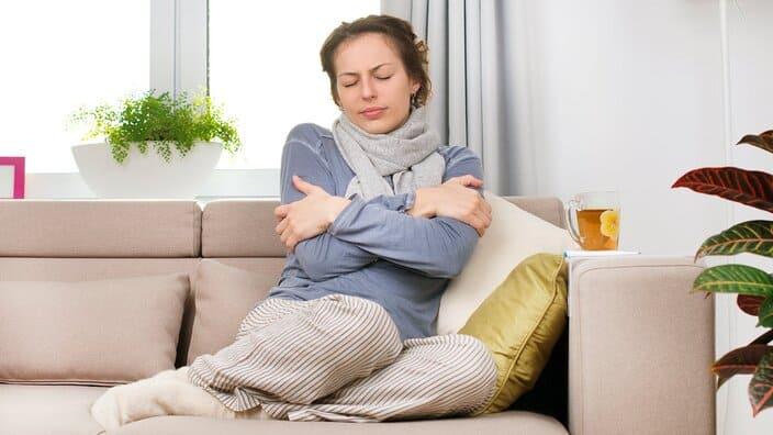 Pendant combien de temps le rhume est-il contagieux?
